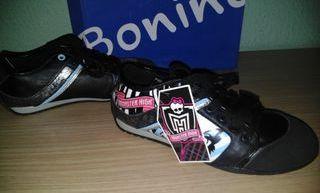 Zapatillas Monster High Draculaura Black.Nº33