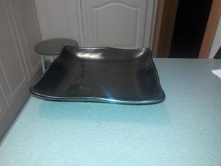 platos negros cuadrados