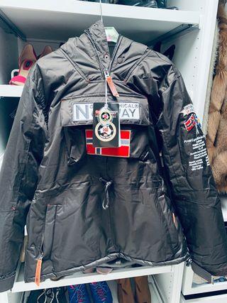 Abrigo nuevo sin estrenar Geographical Norway