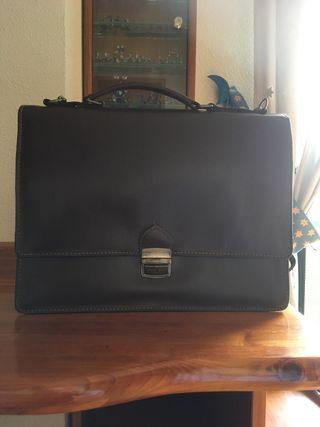Maletín porta documentos de cuero marrón