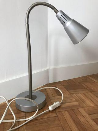 Lámpara flexo de mesa