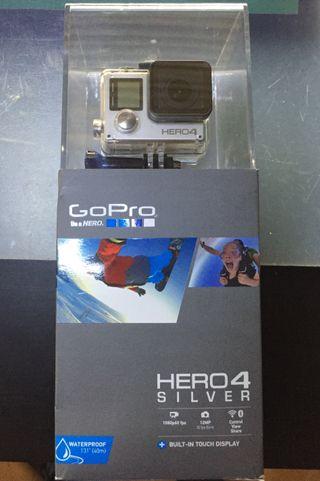 GOPRO HERO 4 SILVER + ACCESORIOS