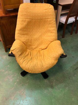 1 sillón o butaca muy cómodo