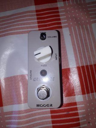 pedal fuzz para guitarra y bajo