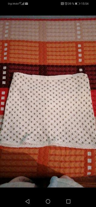 falda con perlas