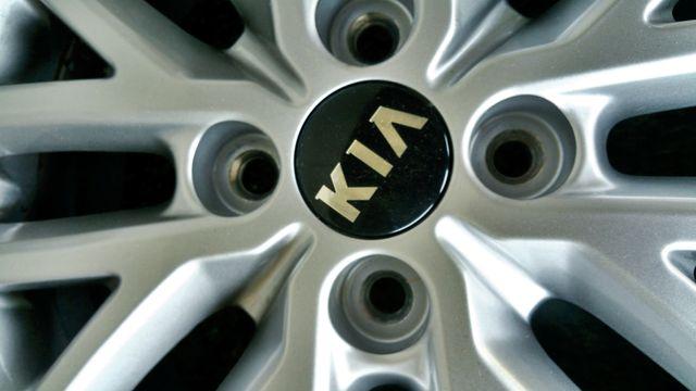 """Llantas Aleación y Neumáticos 15"""" Kia Rio"""