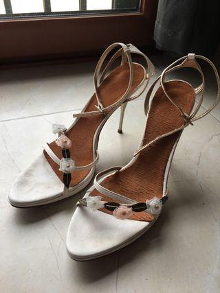 Zapatos blancos novia o fiesta