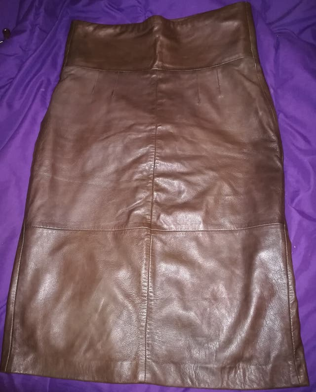 falda Marrón de piel con forro