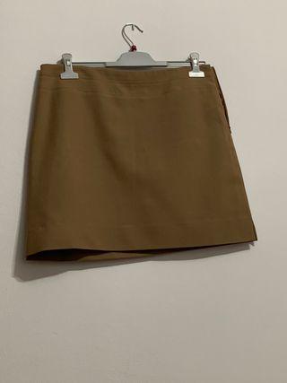 Falda de corte clásico