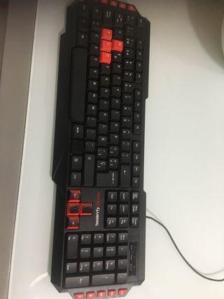 Teclado gamer mecánico