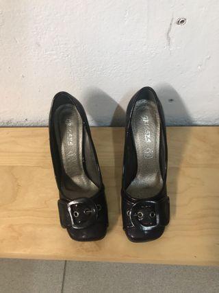 Zapatos color