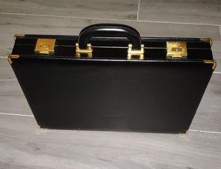 Auténtico maletín ejecutivo negro con cerradura