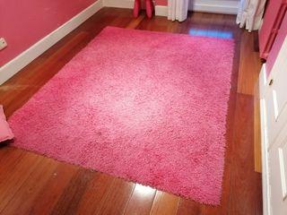 Alfombra pelo largo en tono rosa