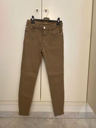 Pantalones marrón del Zara