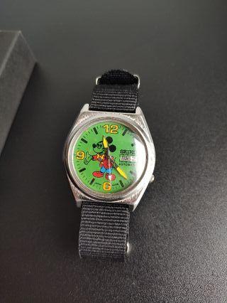 Reloj Seiko Mickey Mouse automático vintage.