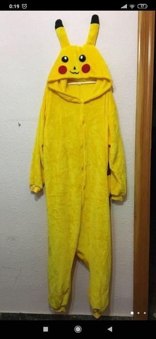 disfraz de Pikachu adulto y pijama