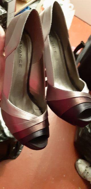 Zapatos de fiesta o ceremonia