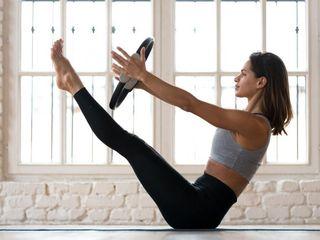 Monitora de Pilates a domicilio. Clases de pilates