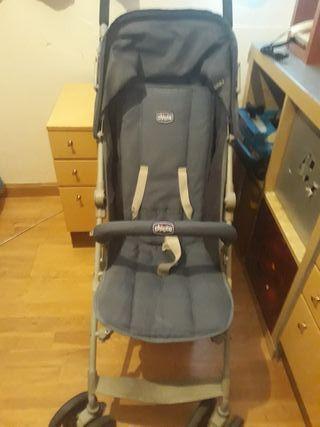 silla de paseo de la marca Chicco en buen estado