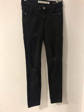 Pantalón rotos Zara