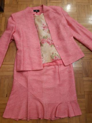 Conjunto falda, chaqueta y blusa marca DM talla 44