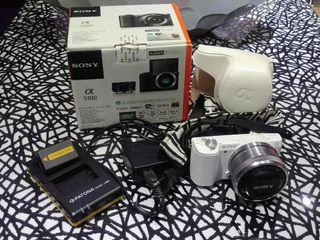 Sony a5100 blanca con accesorios