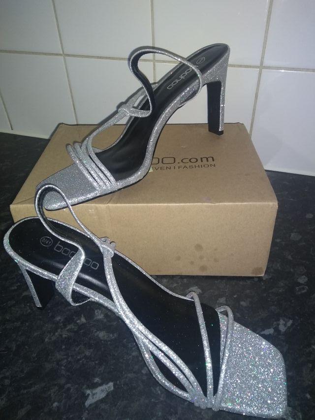 sliver glitter low heel sandal