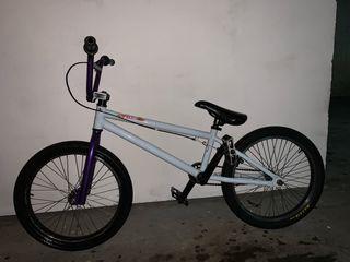 Bicicleta bmx felt bikes