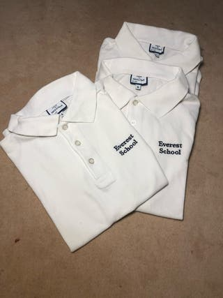 Polos uniforme