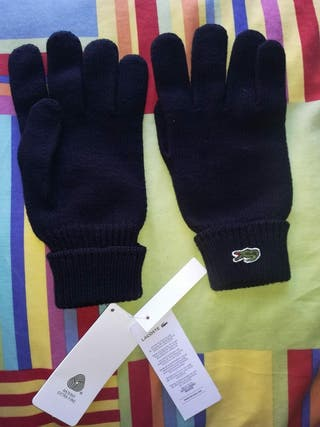 Gorro, bufanda y guantes lacoste