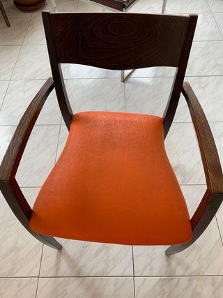 4 sillas madera en perfecto estado URGE