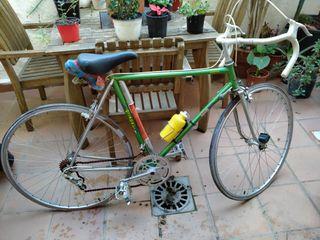 Bicicleta de carretera antigua Grimpeur