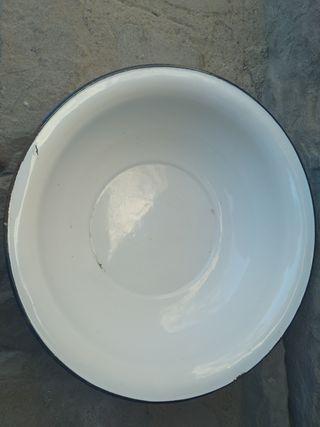 palangana antigua. 40 cm diámetro.