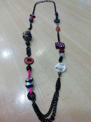original collar multicolor hecho a mano seminuevo