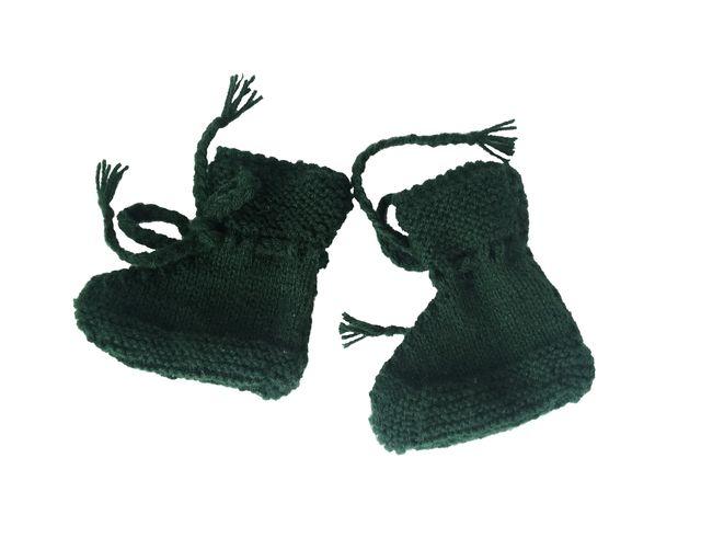 Patucos de lana para bebé 0-3 meses verde. Nuevos