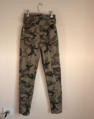 Pantalon Camuflaje Bershka