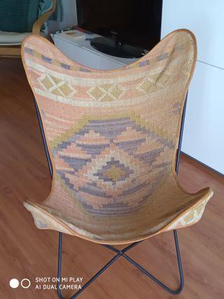 """Cadira de diseny """"Papallona"""" usada molt bon estat."""
