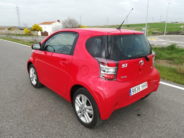 Toyota iQ 2011