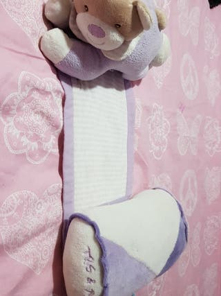Cojín antivuelco para bebes