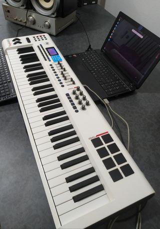 Sintetizador M-Audio Axiom Pro 61