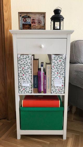 Mesa auxiliar color blanco