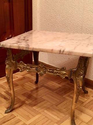Mesa auxiliar con mármol