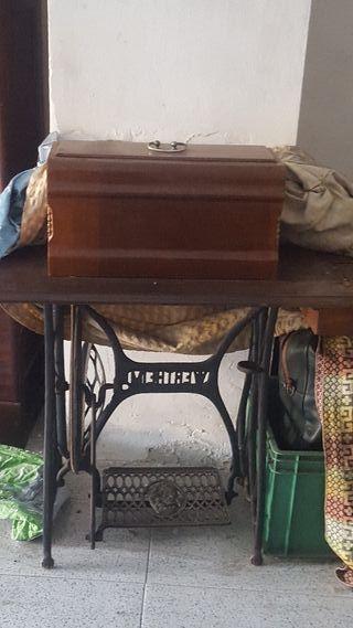 maquina coser antigua werteim