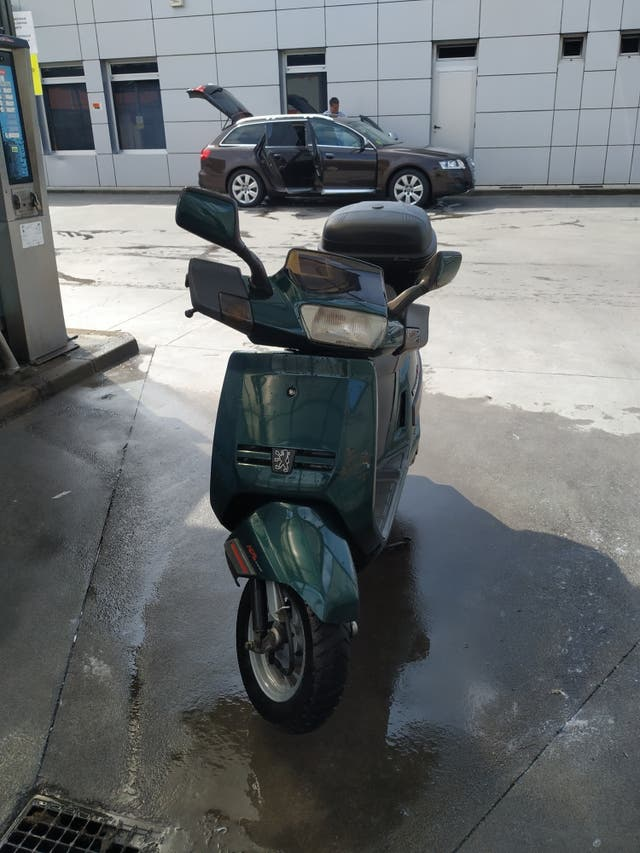 Scooter Peugeot SV125 executive