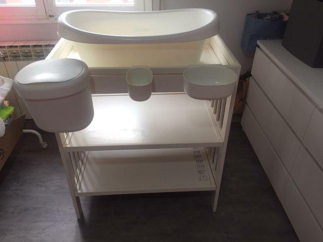 mueble,cambiador,bañera y trona ikea