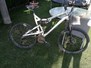 """Bicicleta de montaña """"Rockraider"""""""
