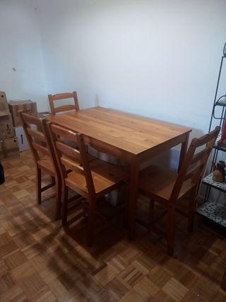 mesa de madera de pino + 4 sillas ikea