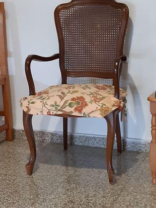 silloncito madera a juego con sillas