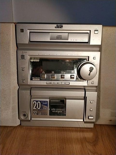 Radio + altavoces