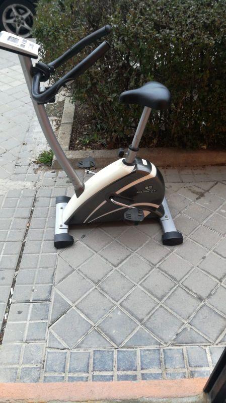 bicicleta estatica en muy estado